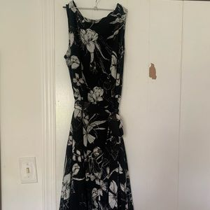 Dresses & Skirts - Black floral casual/ semi-casual dress